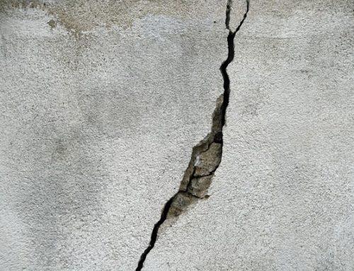 O que são as rachaduras nas estruturas de concreto e o que elas representam